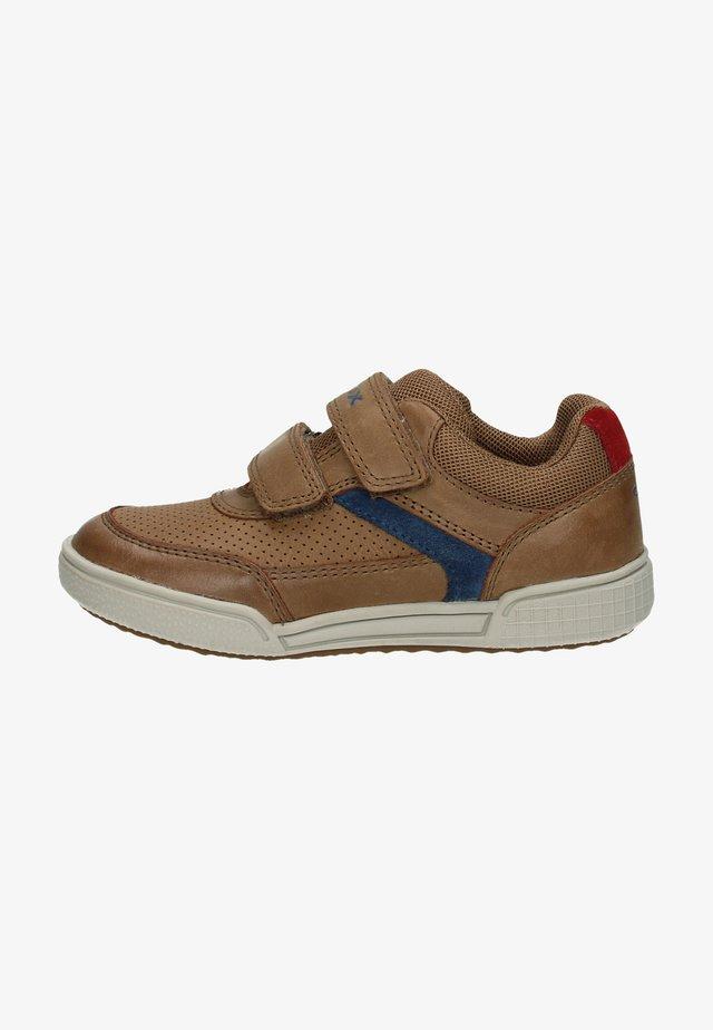 Sneakers laag - cognac/avio