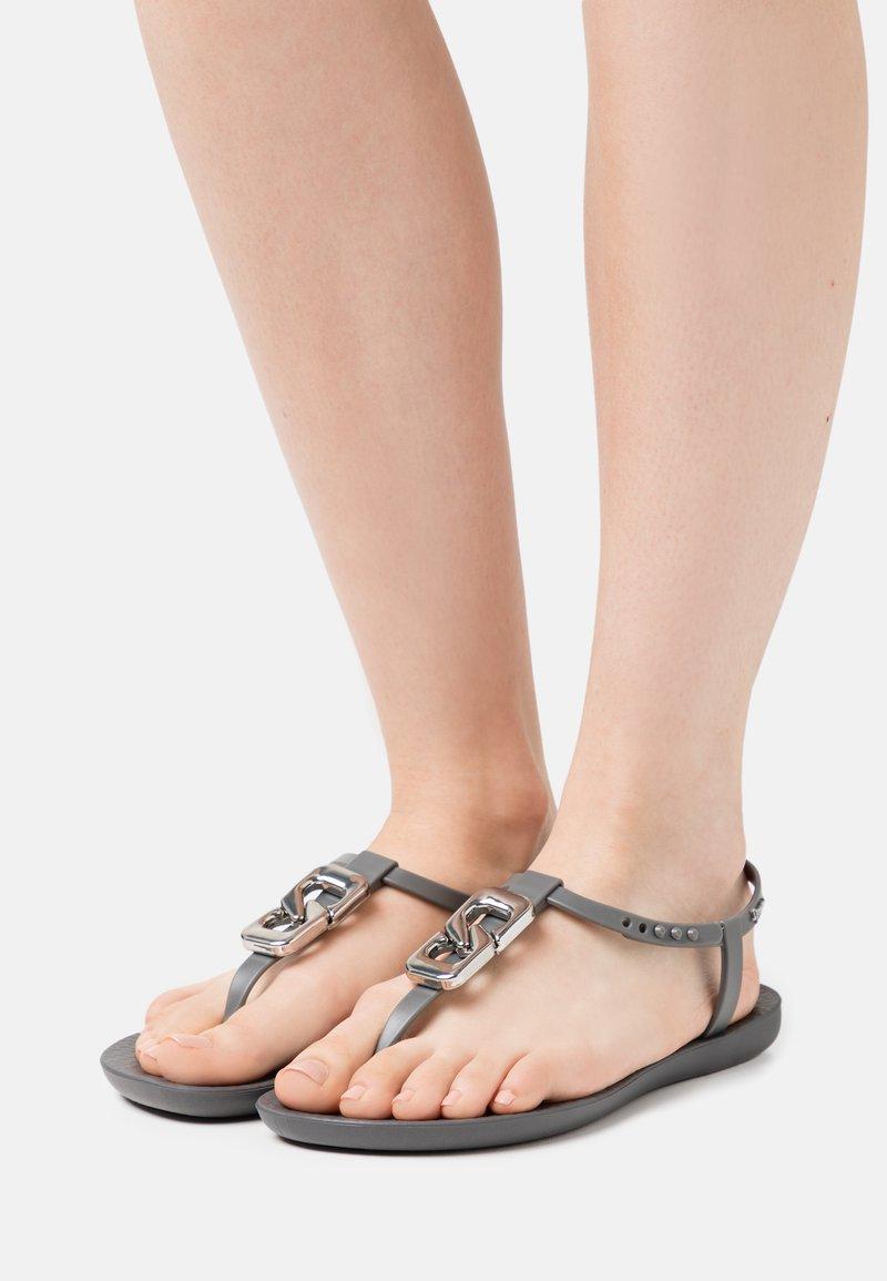 Ipanema - CLASS CHIC - T-bar sandals - dark grey/grey