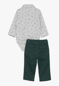 Carter's - BABY SET - Teplákové kalhoty - grey - 1