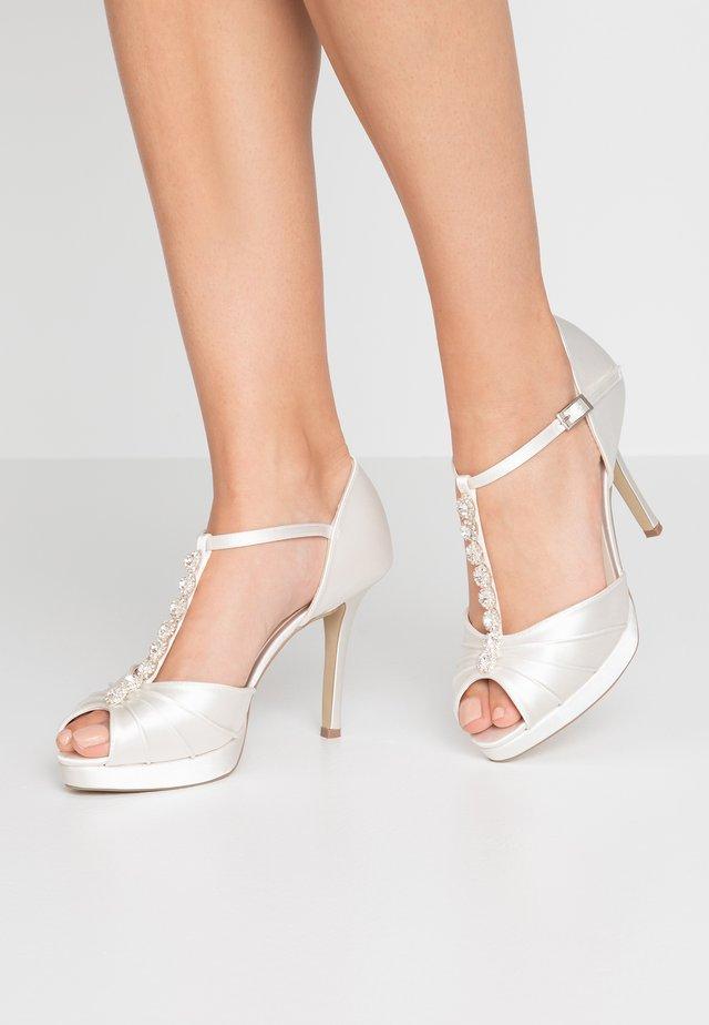CINDY - Højhælede peep-toes - ivory