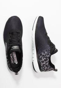 Skechers Sport - FLEX APPEAL 3.0 - Zapatillas - black/white/silver - 3