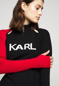 KARL LAGERFELD - BICOLOR LOGO ZIP NECK - Jersey de punto - black - 3