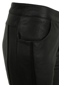 KRISS - Leather trousers - black - 4