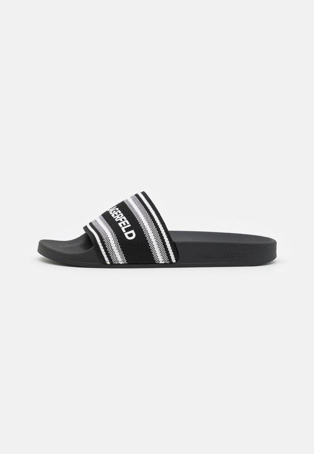 KONDO WOVEN SLIDE - Pantofle - black/white