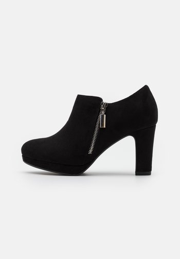WIDE FIT WIZARD - Ankle boots - black