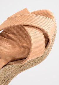 Castañer - BLAUDELL - Sandály na vysokém podpatku - salmon - 2