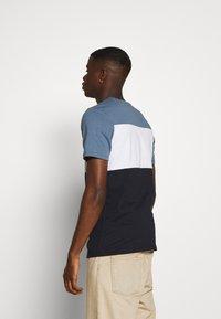 Jack & Jones - JJELOGO BLOCKING TEE - T-shirt con stampa - china blue - 2
