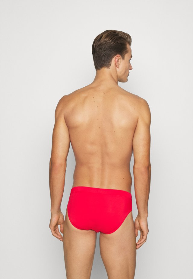 SWIM MEN CLASSIC SWIM BRIEF - Badeshorts - red