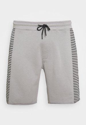 RAW EDGE STRIPE PANEL SHORT - Teplákové kalhoty - grey
