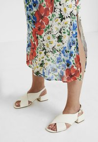 Topshop Maternity - GLITCH FLORAL DRESS - Maxi dress - multi-coloured - 5