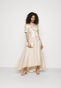 Adrianna Papell - EMBROIDERED GOWN - Abito da sera - champagne/ivory - 1