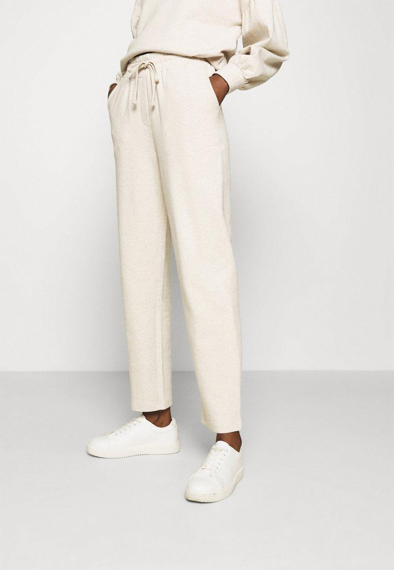 Lounge Nine - CESARINE PANTS - Trousers - pastel parchment melange