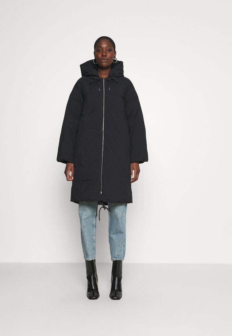 ARKET - Abrigo de invierno - black