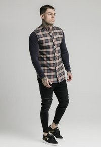 SIKSILK - LONG SLEEVE CHECK GRANDAD - Shirt - navy/tan - 0