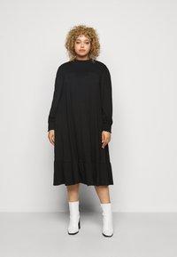 Dorothy Perkins Curve - SHIRRED YOKE DRESS - Robe en jersey - black - 0