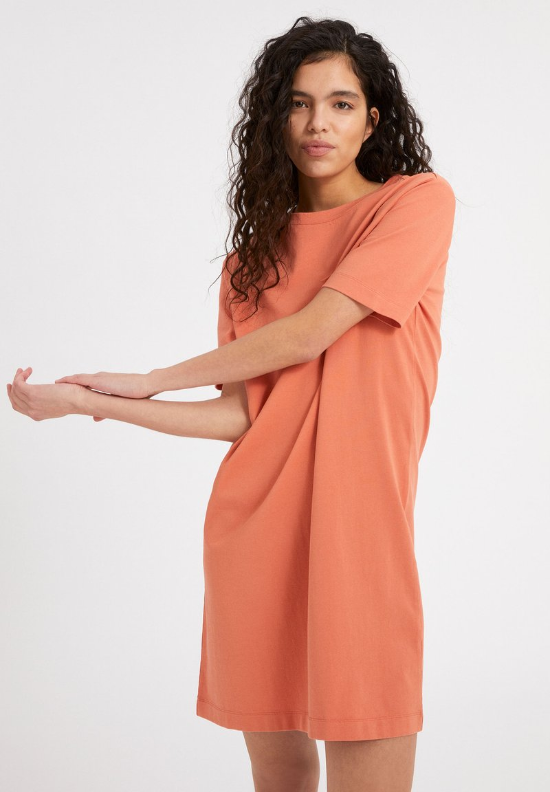 ARMEDANGELS - KLEAA - Jersey dress - burned mandarin