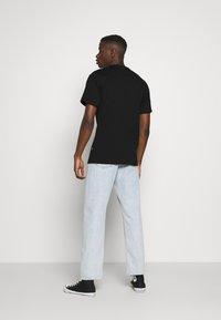 Converse - GLITTER PRIDE TEE - T-shirt con stampa - black - 2
