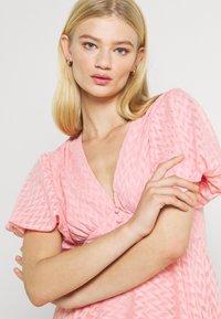 Lace & Beads - EMMA MINI - Denní šaty - pink - 3