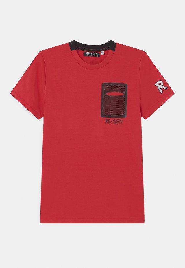 TEEN BOYS - T-shirts med print - tomato puree