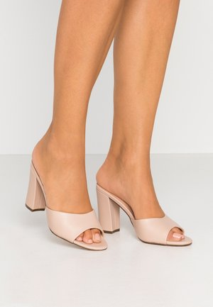 BREEZE - Heeled mules - nude paris