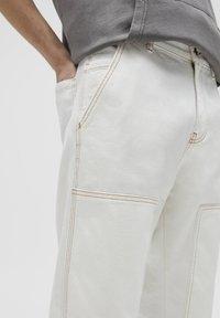 PULL&BEAR - Relaxed fit -farkut - white - 4