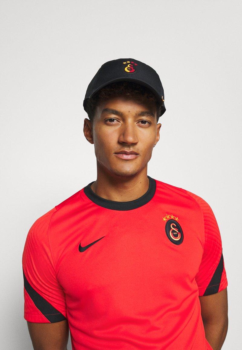 Nike Performance - GALATASARAY HERITAGE - Cap - black/vivid orange