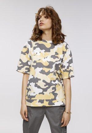 T-shirt print - camouflage aop