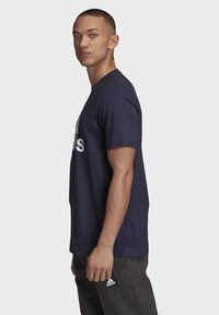 adidas Performance - MUST HAVES BADGE OF SPORT T-SHIRT - Print T-shirt - blue - 2