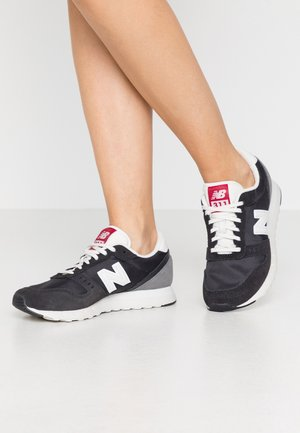 WL311 - Sneakers basse - black