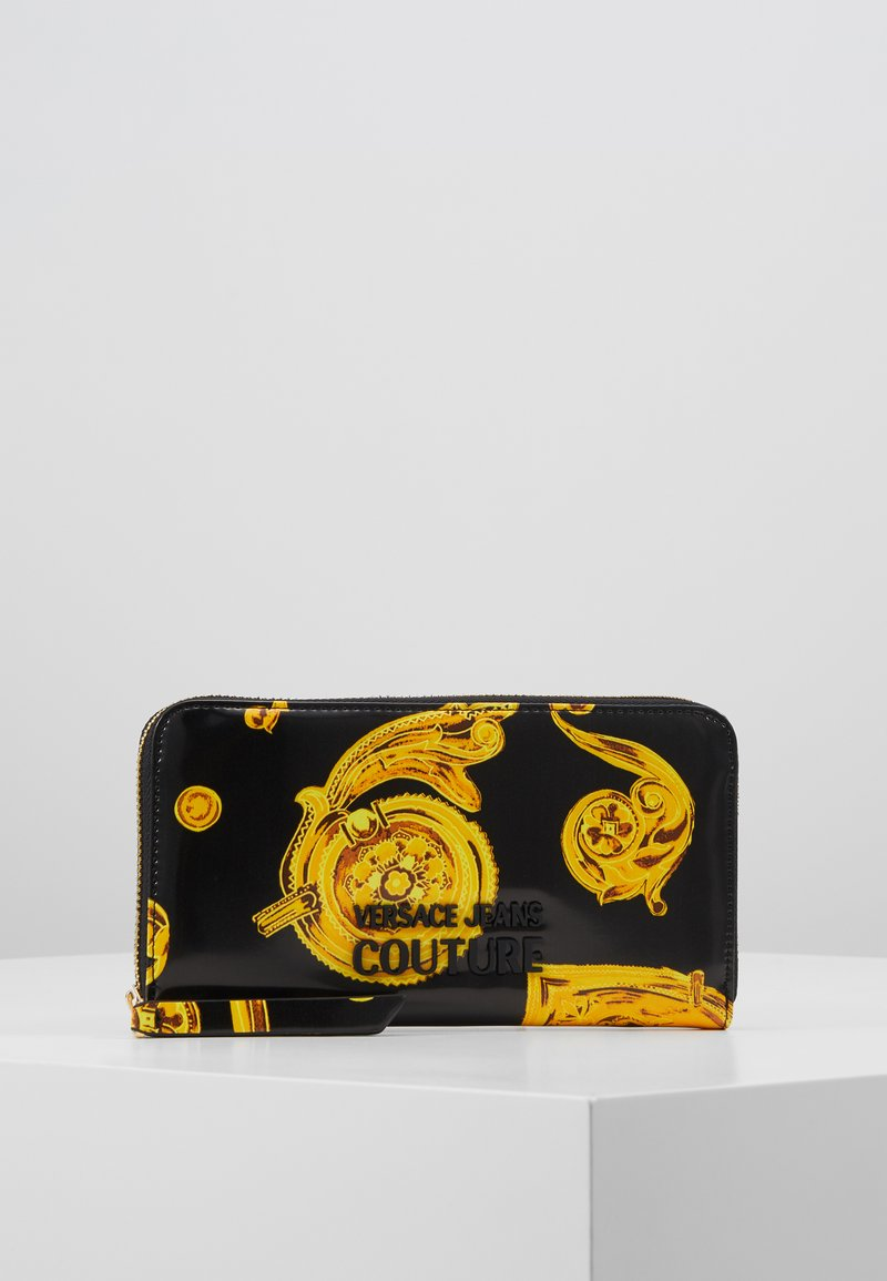 Versace Jeans Couture - PATENT BAROQ ZIP AROUND PURSE - Portemonnee - nero/oro