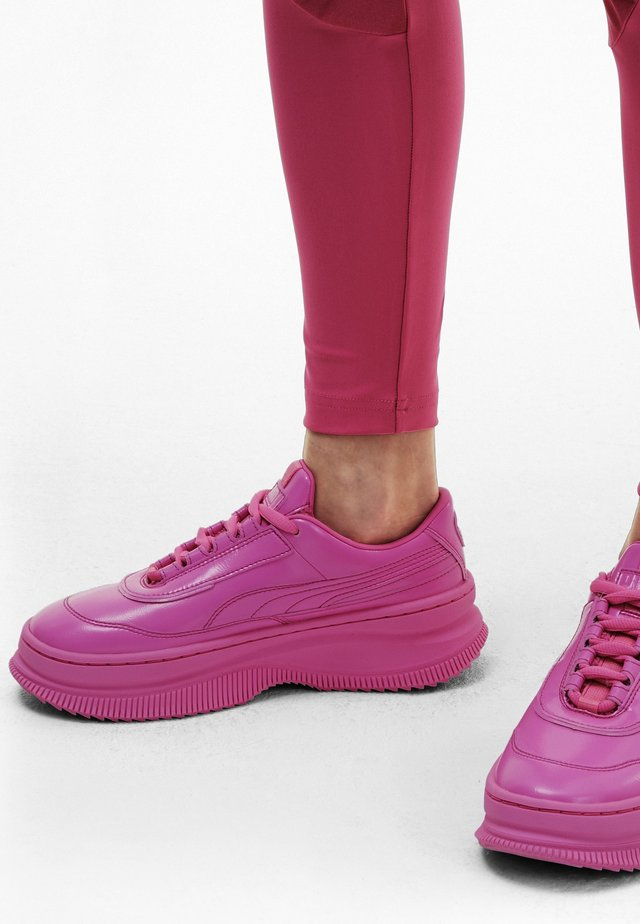 Trainers - luminous pink