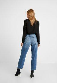 Miss Selfridge Petite - MOM - Straight leg jeans - blue - 2