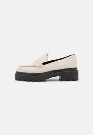Slip-ins - off white