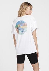 Volcom - AYERS FA SS - Print T-shirt - white - 1