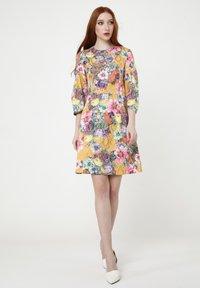 Madam-T - Cocktail dress / Party dress - senf, rosa - 5