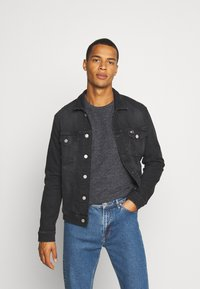 Tommy Jeans - REGULAR TRUCKER JACKET - Jeansjacka - max black - 0