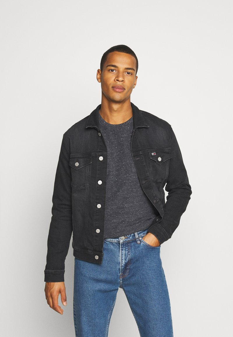 Tommy Jeans - REGULAR TRUCKER JACKET - Jeansjacka - max black