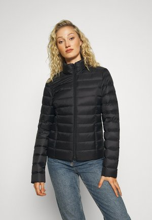 FUNNEL NECK - Gewatteerde jas - black