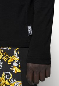 Versace Jeans Couture - LOGO - T-shirt à manches longues - black/white/gold - 6