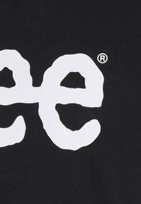 Lee - WOOBLY  TEE - T-shirt z nadrukiem - black - 2