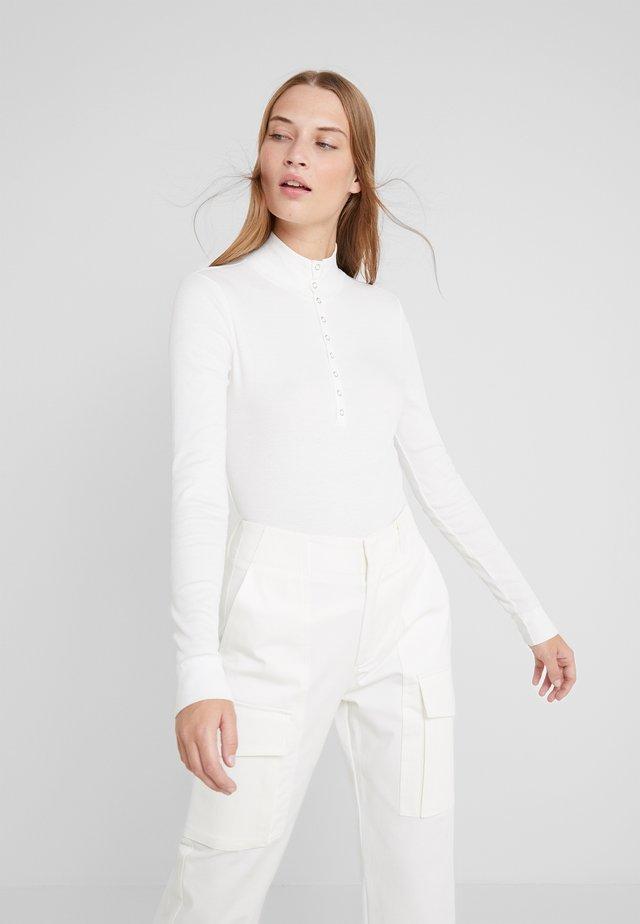 Langærmede T-shirts - white