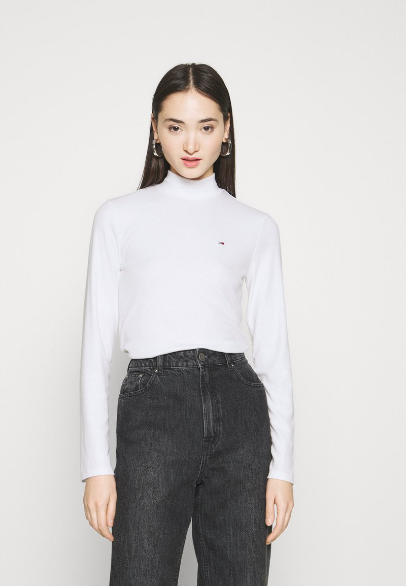 Tommy Jeans - MOCK NECK LONGSLEEVE - Long sleeved top - white
