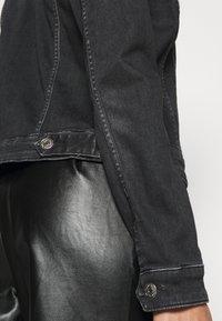 Tommy Jeans - VIVIANNE SLIM - Jeansjakke - iris black - 5
