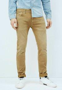 Pepe Jeans - STANLEY - Jeansy Slim Fit - malt - 0