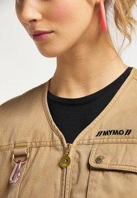 myMo - Waistcoat - dunkelsand - 3
