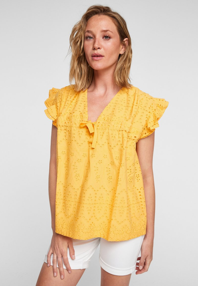 s.Oliver - ANGLAISE - Blouse - yellow