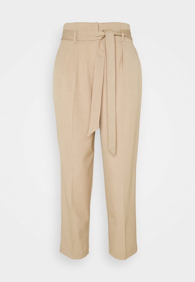 CITY PANTS WITH BELT - Broek - latte macchiato