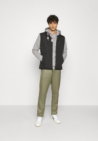INDICODE JEANS - NEVILLY - Hoodie - light grey mix - 1