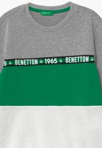 Benetton - BASIC BOY - Bluza - grey - 2
