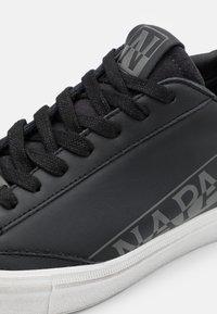 Napapijri - Sneaker low - black - 5